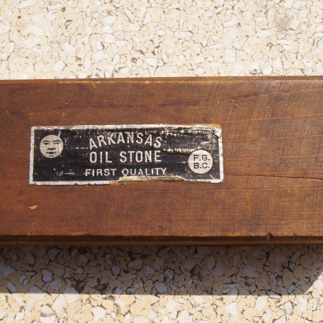 "Arkansas Oil Stone ""Finest Quality"" marque F.G.B.C. / Arkansas Öl Stein ""Feinste Qualität"" Marke F.G.B.C.. Thanks to Jörg (Jollo74)!"